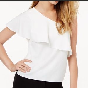 Beautiful one shoulder blouse.